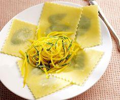 Basilikum-Pasta mit Zucchini | Betty Bossi