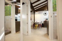 32 m2 en Madrid / Mini aparment de Conejero Arquitectura. https://www.homify.es/libros_de_ideas/25916/un-trastero-convertido-en-miniapartamento-de-32-metros-cuadrados