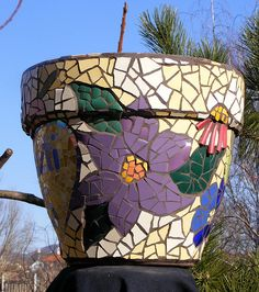 pot de fleur en mosaïque