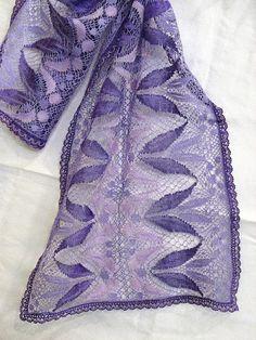 Foulard Bobbin Lace Patterns, Lacemaking, Lace Heart, Lace Jewelry, Lace Detail, Nespresso, How To Make, Bobbin Lace, Lace Shawls