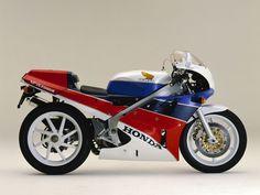 legendary Honda VFR 750 RC30 (year?)