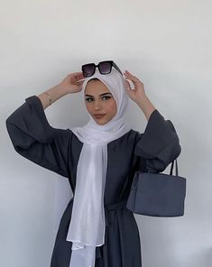 Ootd Fashion, Modest Fashion, Fashion Outfits, Modest Outfits, Casual Outfits, Hijab Look, Muslim Beauty, College Fashion, College Style