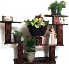 22 Simply Clever Homemade Pallet Furniture Designs To Start Right Now homesthetics wooden pallets diy projects Wooden Pallet Crafts, Wood Pallet Recycling, Recycled Pallets, Recycled Wood, Pallet Projects, Pallet Ideas, Pallet Wood, Recycling Ideas, Repurposing