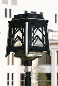 Art Deco Street Lamp - The Great West Road, London, UK