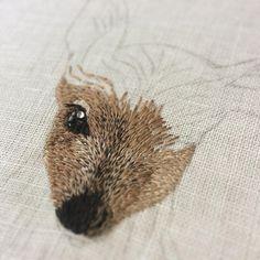 Silk embroidery deer 🦌 これでは何だか分かりませんが、シカになる予定です〜。 #handmade #DIY #embroidery #ハンドメイド #broderie #刺繍 #вышивка #イラスト #자수