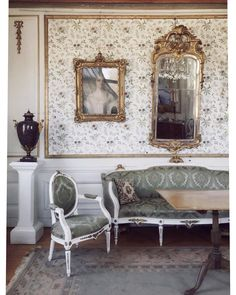 When Säbylund Manor House was completed all 26 rooms were furnished with the finest contemporary art and craft items Sweden had to offer at the time. Tomorrow, 230 years later they are to be sold at Bukowskis Important Spring Sale. Make sure not to miss the unique opportunity to see these objects at the viewing today at Bukowskis Berzelii Park 1, we are open until 17.00. Welcome! #artiondetsauktion #bukowskis