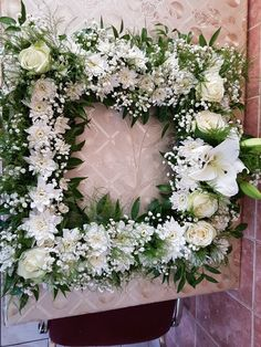 Iglesias, Altar, Funeral, Floral Wreath, Wreaths, Decoration, Home Decor, Classic Picture Frames, Easy Flower Arrangements