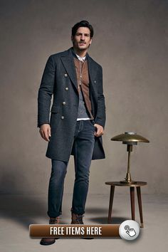 Brunello Cucinelli Fall 2018 Menswear Fashion Show Collection Source by vintagerebellion fashion classy Casual Chic Outfits, Men Casual, Men's Outfits, Gentleman Mode, Gentleman Style, Outfit Jeans, Mens Fashion 2018, Trendy Fashion, Man Fashion