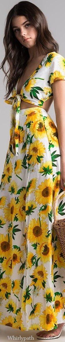 Sunflower Dress, Sunflower Fields, Sunflowers And Daisies, Vogue Australia, Floral Fashion, Pink Sweater, Pretty Flowers, Editorial Fashion, Fashion Accessories
