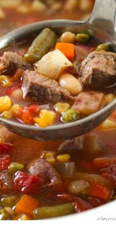 Slow Cooker Vegetable Beef Soup Loaded with lots of vegetables beef and tons of flavor. You can toss all your ingredients in the Crock-Pot and have dinner ready when you are. Healthy Slow Cooker, Slow Cooker Soup, Slow Cooker Recipes, Beef Recipes, Crockpot Ideas, Turkey Broth, Turkey Soup, Cheesy Potato Soup, Healthy Soup Recipes