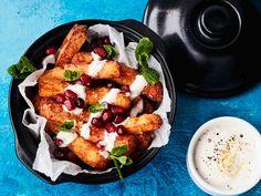 Valmista supertrendikkäät halloumiranskikset helposti kotikeittiössä. Nauti rapeat juustotikut välittömästi paistamisen jälkeen raikkaan sitruunadipin kera.