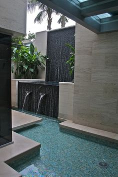 Water wall. (contemporary landscape by Andrew Williams and Associates, Inc)