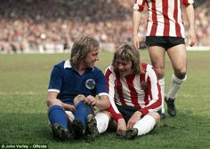April Chelsea FC & then Leicester City FC legend Alan Birchenall caused an outrage with Sheffield United's Tony Currie when the two players jokingly kissed! Pure Football, Best Football Team, Retro Football, Vintage Football, Sheffield United Fc, Bramall Lane, Leeds United Fc, Leicester City Fc, Jamie Vardy