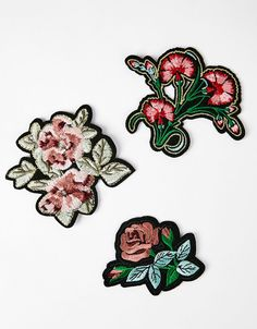 Set of flower patches - Embroidery - Bershka Ukraine Cute Patches, Pin And Patches, Iron On Patches, Jacket Patches, Embroidery Patches, Embroidery Patterns, Flower Patch, Cute Pins, Love Sewing