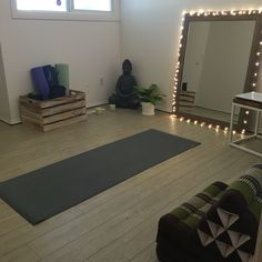 at home yoga space workout rooms \ workout yoga room ; yoga workout room at home ; yoga and workout room ; home yoga workout room ; at home yoga space workout rooms Home Yoga Room, Yoga Room Decor, Gym Room At Home, Yoga Rooms, Home Exercise Rooms, Yoga Spaces, Yoga At Home, Yoga Studio Design, Yoga Studio Home