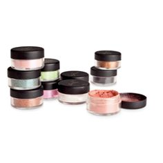 Timeless Mineral Eye Shadow Now in loose mineral form! With 14 complementary shades that blend like magic, you can mix and match to create an endless amount of unique looks, from sophisticated to party girl—and everything in between. Every vibrant color is derived from pure, natural minerals. #Sisel #TimelessMinerals https://www.siselinternational.com/en/US/productdetail.htm?id=4649