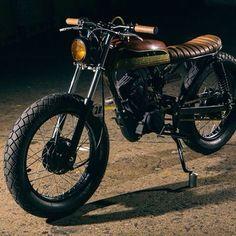 Classic bike's Honda 125 street tracker by Small Motorcycles, Honda Motorcycles, Vintage Motorcycles, Custom Motorcycles, Custom Bikes, Honda 125, Tracker Motorcycle, Cafe Racer Motorcycle, Brat Bike