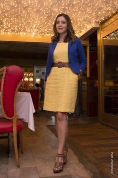 Combinação de cores no look usando azul e amarelo como protagonistas!