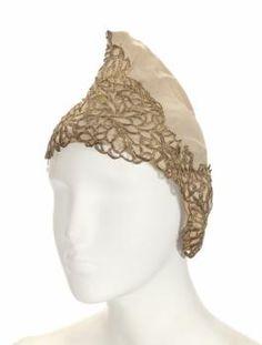 BETTE DAVIS NIGHT CAP FROM THE VIRGIN QUEEN - Price Estimate: $400 - $600
