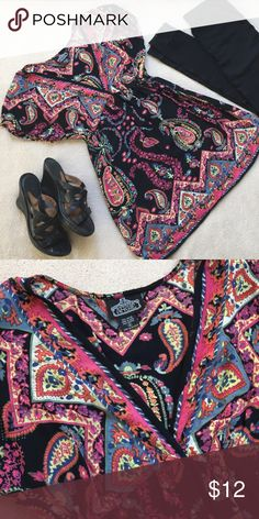 Beautiful Fall Angie Tunic Top This cute and comfortable tunic top from Angie has a lovely paisley pattern that's perfect for fall. Looks great with a pair of leggings and wedges or booties. In excellent used condition. Smoke and pet free home. Angie Tops Tunics