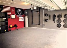So much room for activities! Save space and save time. The time waiting for equipment at your commercial gym are over. Crossfit Garage Gym, Home Gym Garage, Diy Home Gym, Gym Room At Home, Fitness Design, Gym Plans, Small Home Gyms, Dream Gym, Home Gym Design