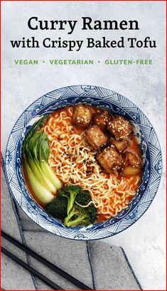 Curry Ramen with Crispy Baked Tofu // vegan ramen, vegetarian ramen, ramen recipes Tofu Recipes, Asian Recipes, Vegetarian Recipes, Dinner Recipes, Cooking Recipes, Healthy Recipes, Vegetarian Cooking, Meal Recipes, Chicken Recipes