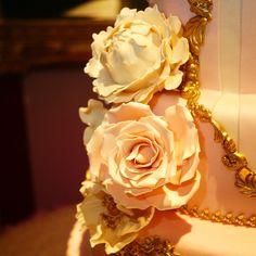 Paris Cake Instagram de @delicatessepostres • 79 Me gusta Rose, Instagram Posts, Flowers, Deserts, Sugar Flowers, Pink, Roses, Royal Icing Flowers, Flower