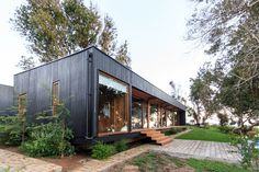 Image 1 of 34 from gallery of Las Escaleras Country House / Prado Arquitectos. Photograph by Daniel Pinilla Shed Homes, Prefab Homes, Modular Homes, Plano Hotel, Casas Containers, Eco Cabin, Street House, Timber House, Garden Deco