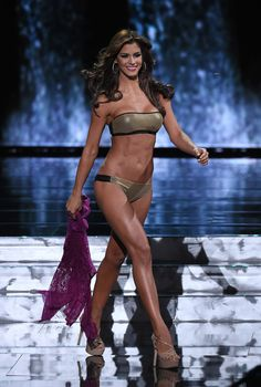 Mariana Jimenez Photos - Miss Venezuela Mariana Jimenez, competes in the swimsuit competition during the 2015 Miss Universe Pageant at The Axis at Planet Hollywood Resort & Casino on December 2015 in Las Vegas, Nevada. - The Annual Miss Universe Pageant Swimsuits, Bikinis, Swimwear, Planet Hollywood, Pageant, Universe, Wonder Woman, Catwalks, Superhero
