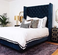 Navy Blue and Gold Bedroom with Dorothy Draper Style Nightstands - Hollywood Regency - Bedroom Blue And Gold Bedroom, Navy Blue Bedrooms, Hollywood Regency Bedroom, Home Interior, Interior Design, Luxurious Bedrooms, Beautiful Bedrooms, Home Decor Inspiration, Bedroom Decor