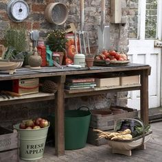 Potting Bench Ideas - Want to know how to build a potting bench? Our potting bench plan will give you a functional, beautiful garden potting bench in no time! Outdoor Rooms, Outdoor Gardens, Outdoor Living, Le Hangar, Gazebos, Greenhouse Shed, Small Greenhouse, Potting Tables, Garden Tool Storage