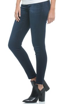 5 pocket skinny jeggings in classic blue denim wash.   Jean Leggings by Elan. Clothing - Bottoms - Jeans & Denim - Jeggings Clothing - Bottoms - Jeans & Denim - Skinny Texas