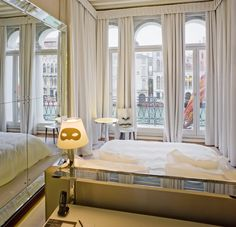 A room with a view of the Canal Grande.