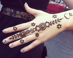Mehndi henna designs are always searchable by Pakistani women and girls. Women, girls and also kids apply henna on their hands, feet and also on neck to look more gorgeous and traditional. Henna Hand Designs, Eid Mehndi Designs, Beginner Henna Designs, Simple Arabic Mehndi Designs, Mehndi Designs For Girls, Beautiful Mehndi Design, Latest Mehndi Designs, Henna Tattoo Designs, Rangoli Designs