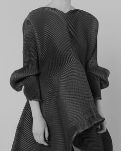 Sculptural Fashion - textured dress with curved pleats & volume; artistic fashion // Issey Miyake