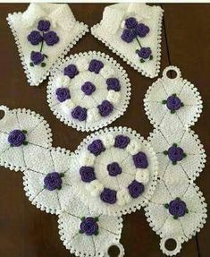 This Pin was discovered by Sel Slip Stitch Crochet, Tunisian Crochet, Irish Crochet, Crochet Stitches, Knit Crochet, Crochet Dollies, Crochet Flowers, Crochet Designs, Crochet Patterns