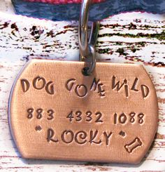 56 ideas for diy dog tag cricut Diy Jewelry To Sell, Jewelry Crafts, Handmade Jewelry, Diy Candles Scented, Dog Tags Pet, Ideal Toys, Dog Crafts, Hand Stamped Jewelry, Bead Caps