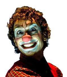 fritz, clown, denis goyos, teatro infantil , palhaço, jogando no quintal, absurda confraria,
