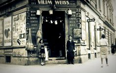 Old shop in #zagreb #oldtimes #oldpictures #19century #blacknwhite #photography #lobagolabnb