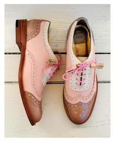 ABO pink brogues My perfect shoes! Pretty Shoes, Beautiful Shoes, Cute Shoes, Me Too Shoes, Shoe Boots, Shoes Sandals, Shoe Bag, Oxford Shoes Outfit, Brogues Outfit
