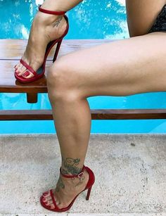 Slut High Heels and pretty feetOnly sexy feet: PhotoI hate tattoos but I love red shoes Sexy High Heels, Sexy Legs And Heels, Hot Heels, Sexy Sandals, Feet Soles, Women's Feet, Stilettos, Stiletto Heels, Pumps