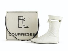 Courrèges, 1965 20th Century Fashion, Fashion Now, Auction, Stuff To Buy, Fashion Design, Collection, Boots