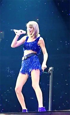 GIF of Shake It Off at the 1989 World Tour Raleigh // taylor swift