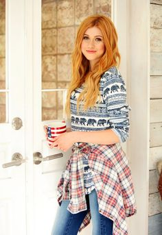 Change is good, however it's even much better when it takes just minutes to make one. Katherine Mcnamara, Wallflower Jeans, Divas, Girls With Red Hair, Ginger Girls, Hottest Redheads, Chloe Grace, Beautiful Redhead, Glamour