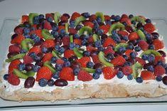 Norwegian Food, Norwegian Recipes, Raspberry, Strawberry, Scandinavian Food, Brownie Cookies, Pavlova, Cheesecakes, Yummy Cakes