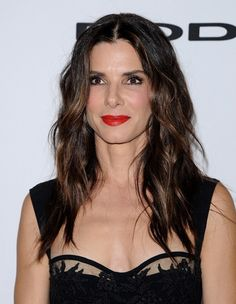 Sandra Bullock wearing bold lipstick at the 17th annual Hollywood Film Awards on October 21, 2013 in Beverly Hills, California. Source: Axelle/Bauer-Griffin