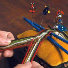 Fur Trade, Vikings, Macrame, Weaving, Hair Styles, Crafts, Paper Flowers, Fabrics, Threading