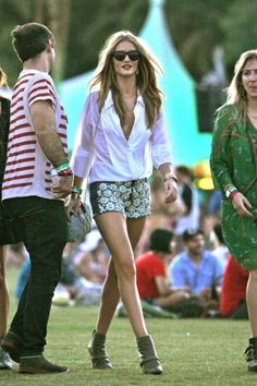 rosie huntington-whiteley at coachella - love this outfit