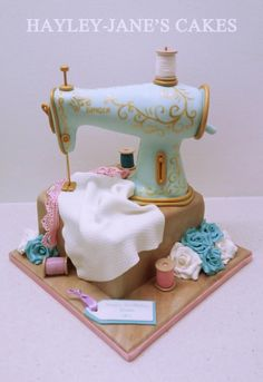 SINGER+Sewing+Machine+-+Cake+by+Hayley-Jane's+Cakes