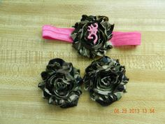 Set of barefoot sandals and matching headband for infant baby Camoflauge and hot pink browning deer on Etsy, $10.00